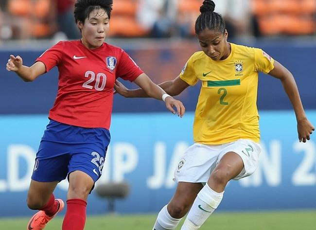 120826-U20-women-South Korea-2-0-Brazil.JPG