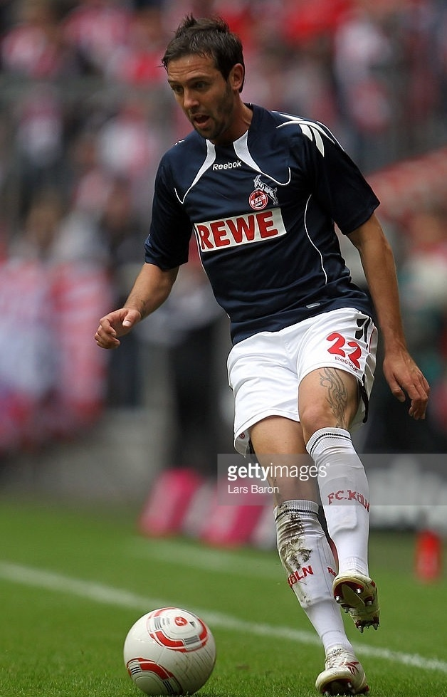 1FC-Köln-2010-11-Reebok-third-kit.jpg