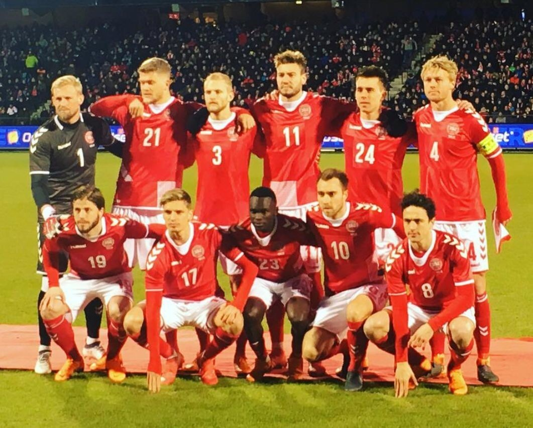 denmark-2018-hummel-frankenstein-kit-red-white-red-line-up.jpg