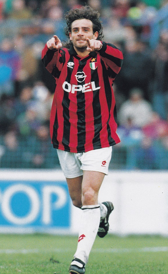 AC-Milan-94-95-lotto-first-kit-stripe-white-white.jpg
