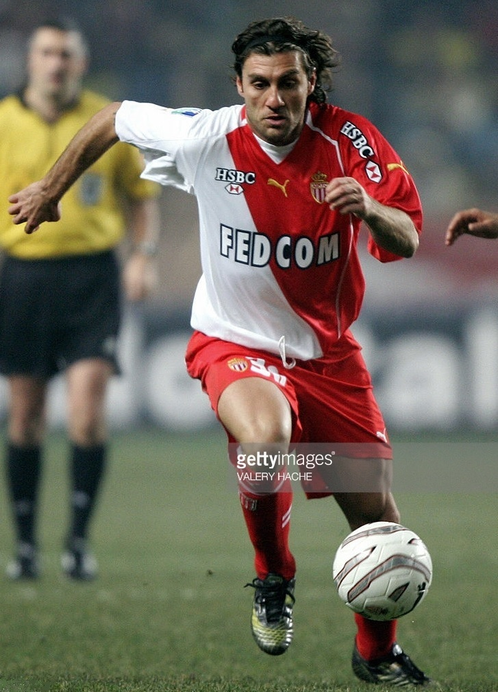 AS-Monaco-2005-06-PUMA-home-kit-Christian-Vieri.jpg