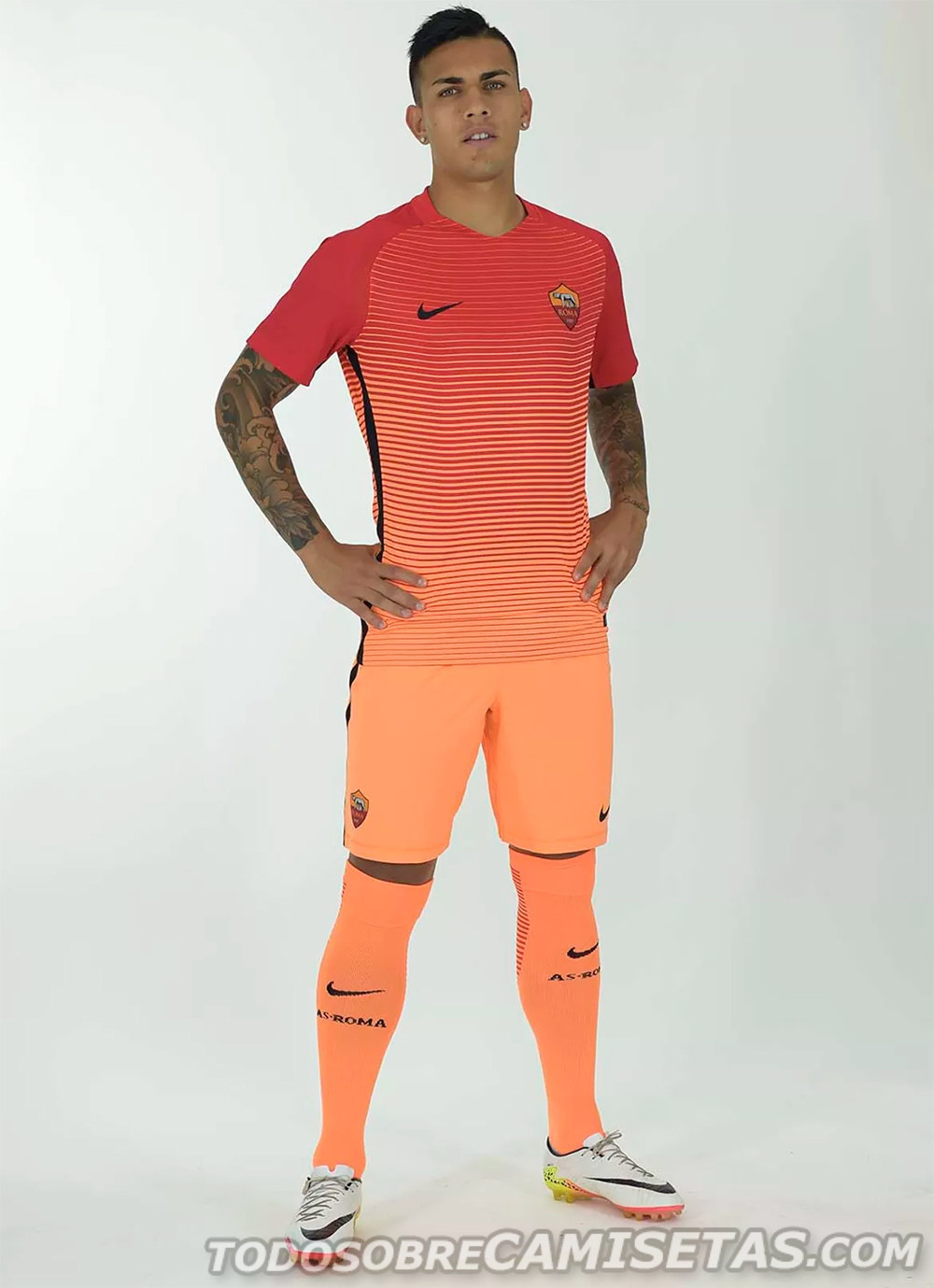 AS-Roma-2016-17-NIKE-new-third-kit-4.jpg