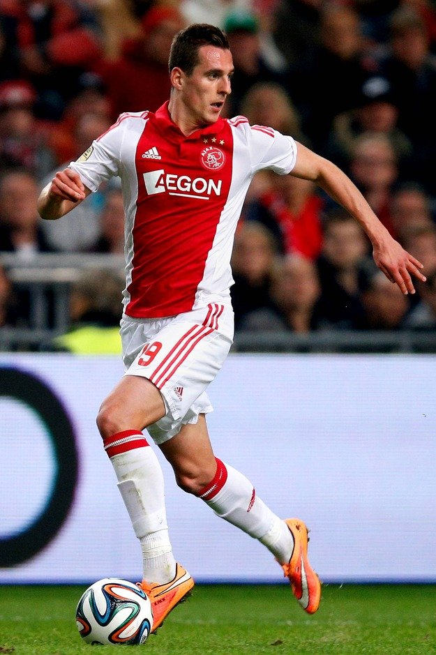 Ajax-14-15-adidas-first-kit-red-white-white-Arkadiusz-Milik.jpg
