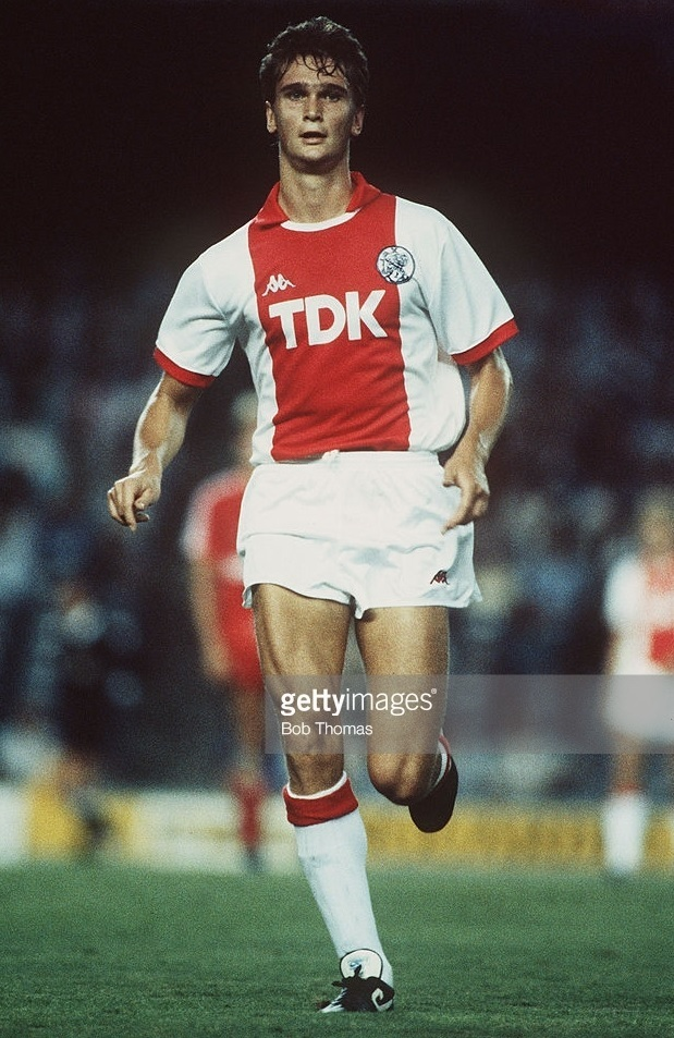Ajax-1987-88-Kappa-home-kit.jpg