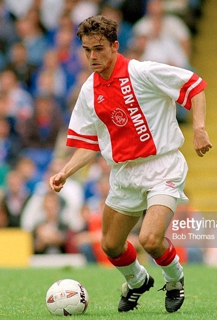 Ajax-1995-96-UMBRO-home-kit-Marc-Overmars.jpg