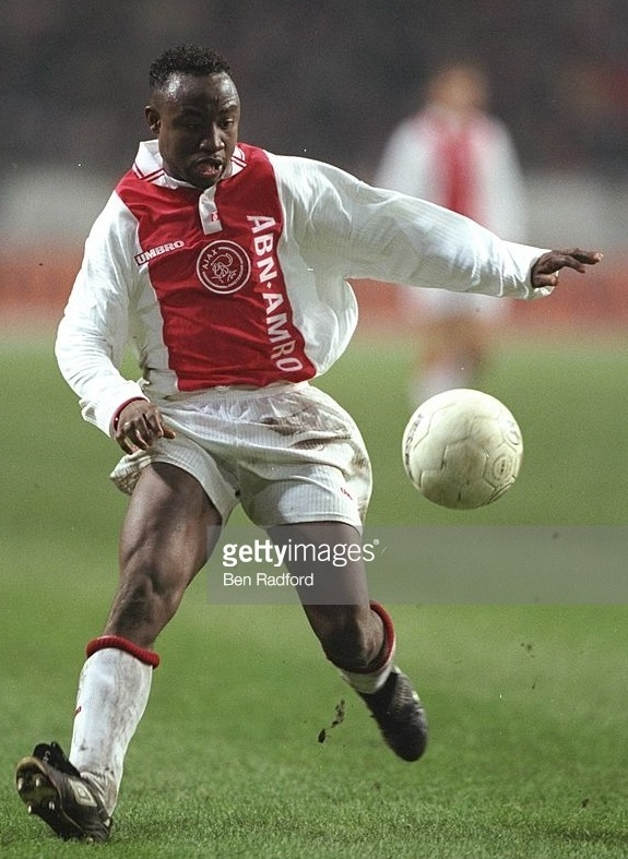 Ajax-1997-98-UMBRO-home-kit.jpg
