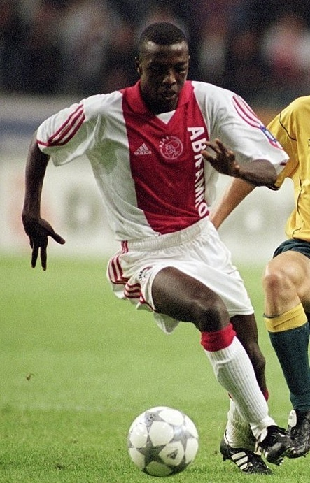 Ajax-2001-02-adidas-home-kit.jpg