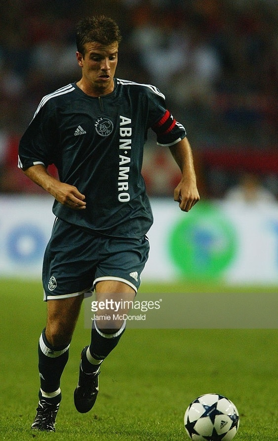 Ajax-2003-04-adidas-away-kit.jpg