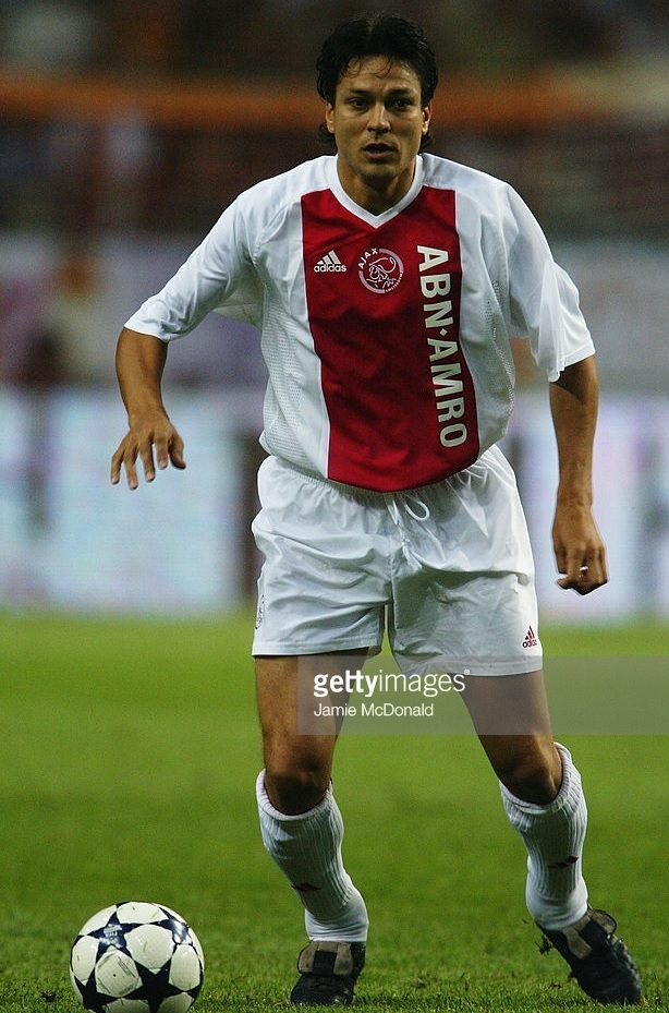 Ajax-2003-04-adidas-home-kit-Jari-Litmanen.jpg
