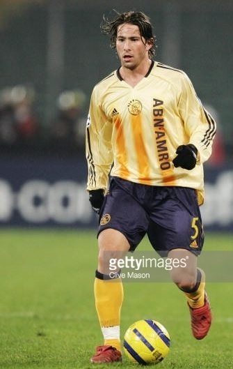 Ajax-2004-05-adidas-away-kit.jpg