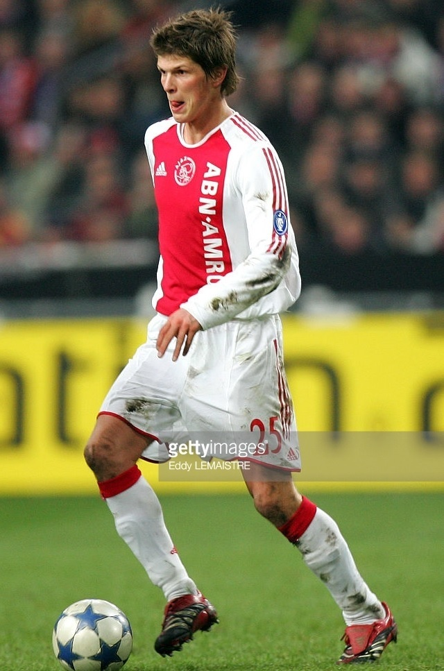 Ajax-2005-06-adidas-home-kit-Klaas-Jan-Huntelaar.jpg