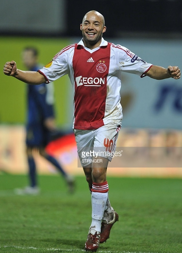 Ajax-2009-10-adidas-home-kit.jpg