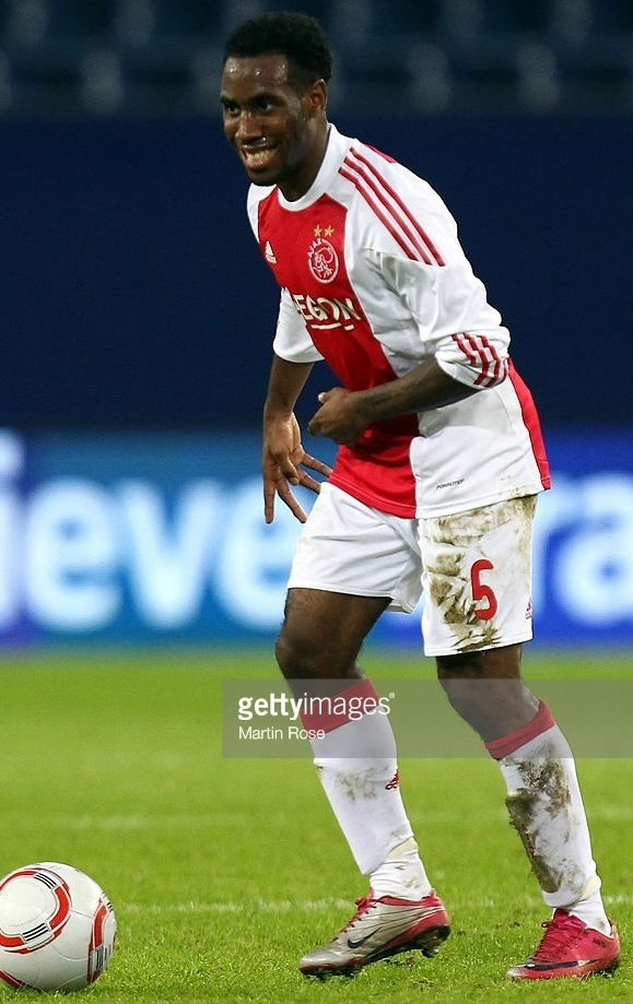 Ajax-2010-11-adidas-home-kit.jpg