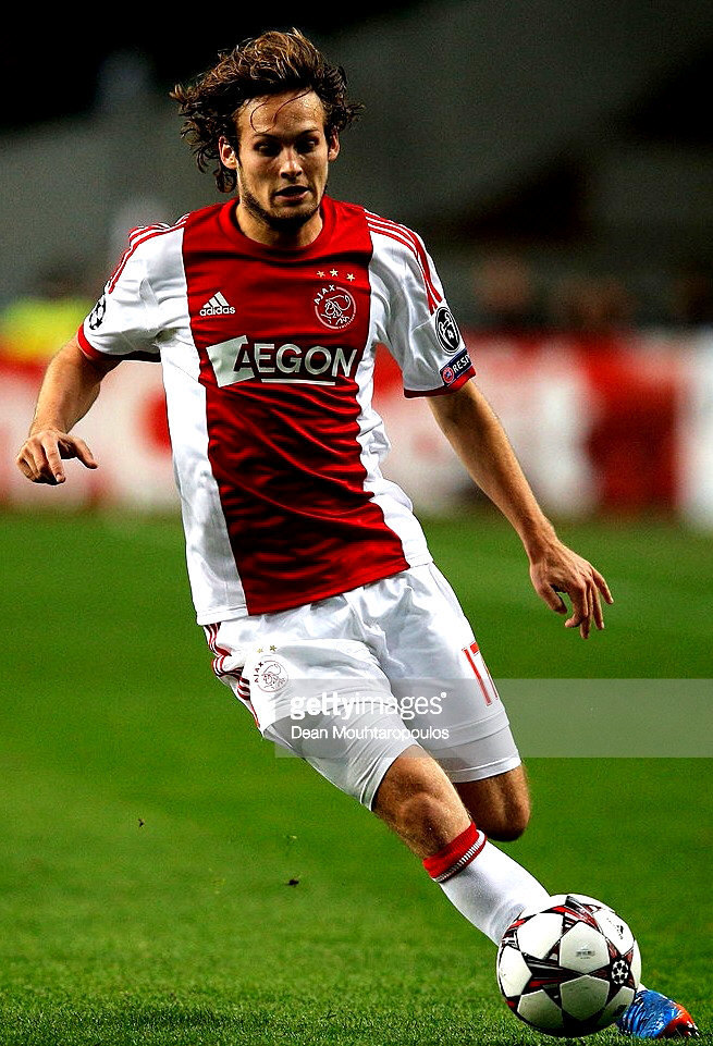 Ajax-2013-14-adidas-home-kit-Daley-Blind.jpg
