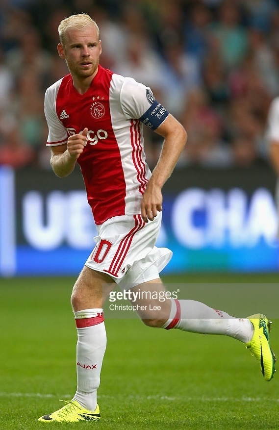 Ajax-2016-17-adidas-home-kit.jpg