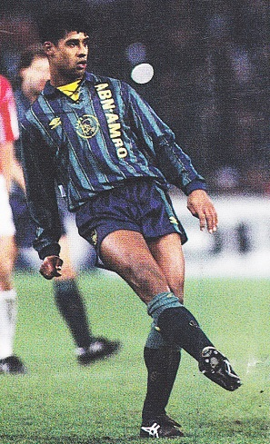 Ajax-93-94-UMBRO-second-kit-green-navy-navy-Frank-Rijkaard.jpg