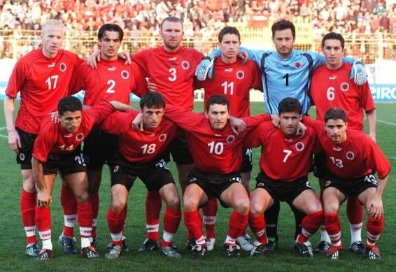 Albania-02-03-PUMA-home-kit-red-black-red-line-up.jpg