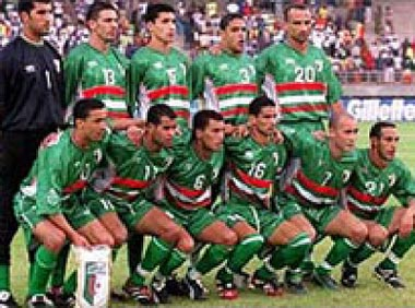 Algeria-02-03-Cirta Sport-away-kit-green-green-green-pose.JPG