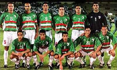 Algeria-02-03-Cirta Sport-away-kit-green-white-white-pose.JPG