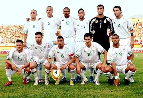 Algeria-07-08-Le-coq-uniform-white-white-white-line-up.jpg