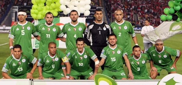 Algeria-07-09-Le coq-unform-green-green-green-group.JPG