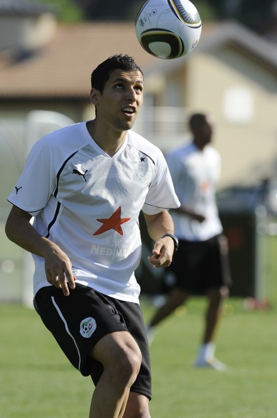 Algeria-10-PUMA-training-white.jpg