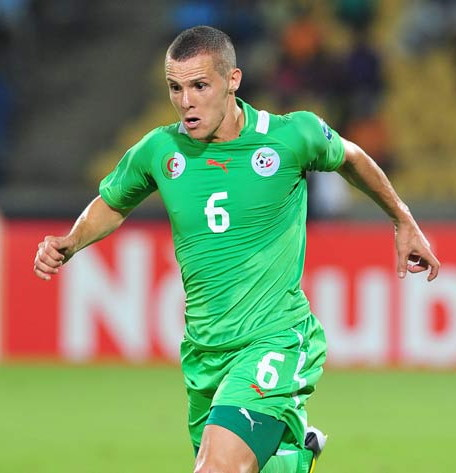 Algeria-13-PUMA-away-kit-green-green-green.jpg