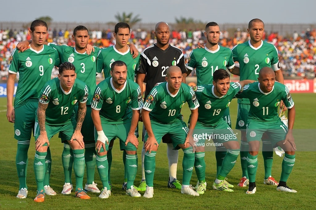 Algeria-2015-adidas-away-kit-green-green-green-line-up.jpg