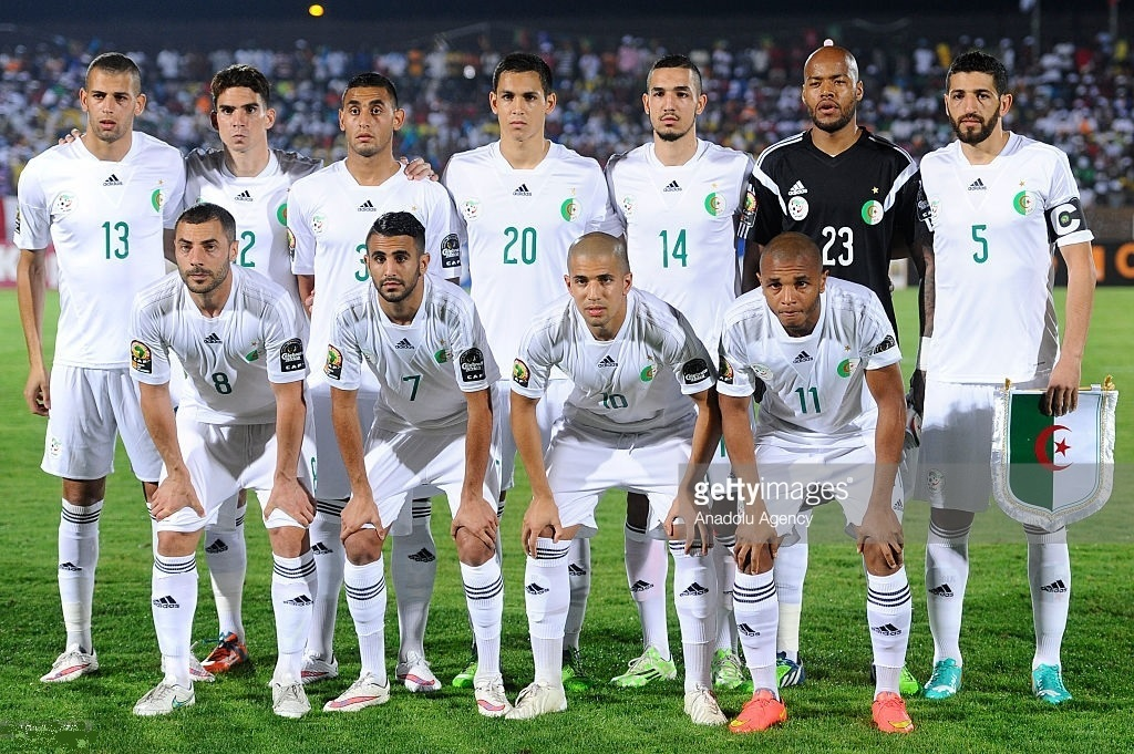 Algeria-2015-adidas-home-kit-white-white-white-line-up.jpg