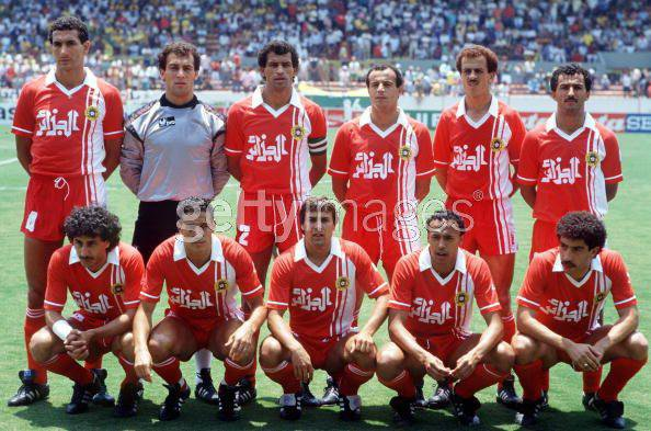 Algeria-86-unknown-world-cup-away-kit-red-red-red-line-up.jpg