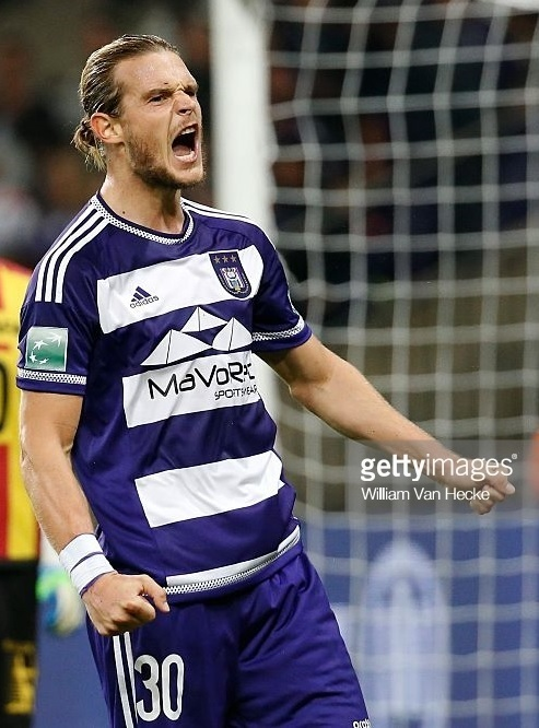 Anderlecht-2015-16-adidas-first-kit-Guillaume-Gillet.jpg