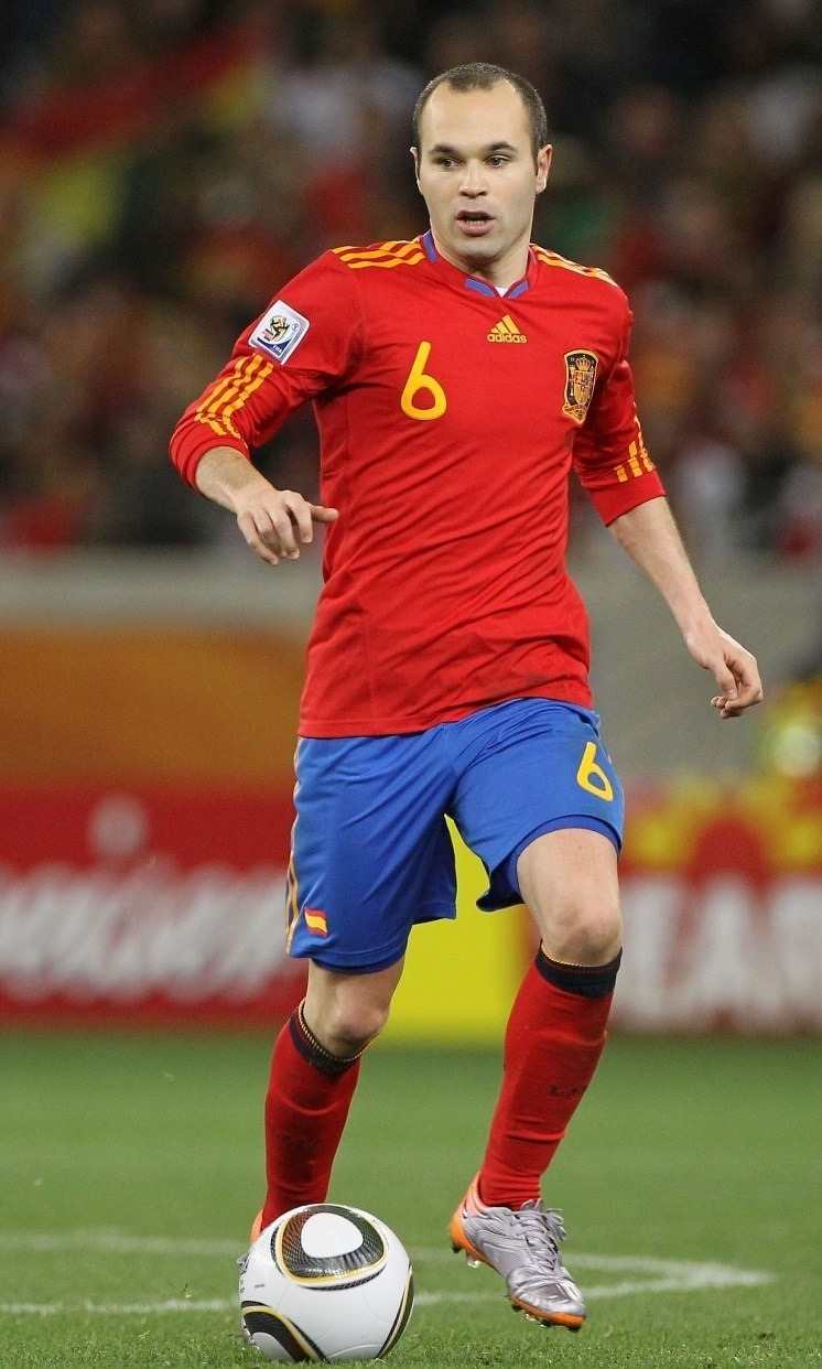 Andres-Iniesta-2010-adidas-world-cup-home-kit.jpg