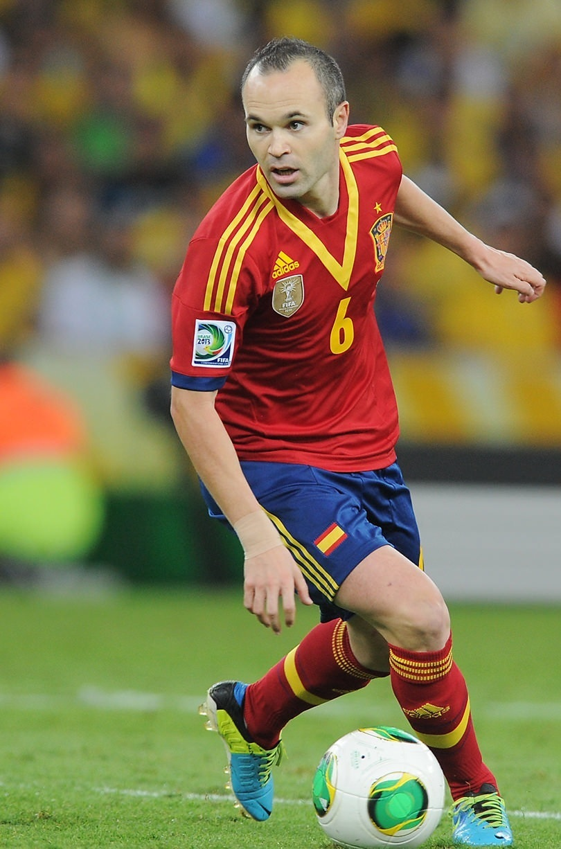 Andres-Iniesta-2013-adidas-confederations-cup-home-kit.jpg
