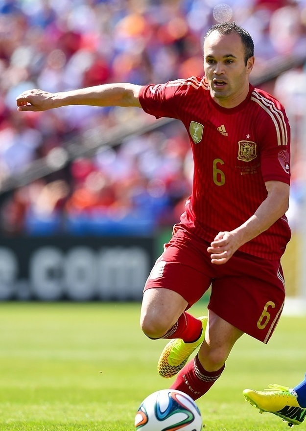 Andres-Iniesta-2014-adidas-world-cup-home-kit.jpg