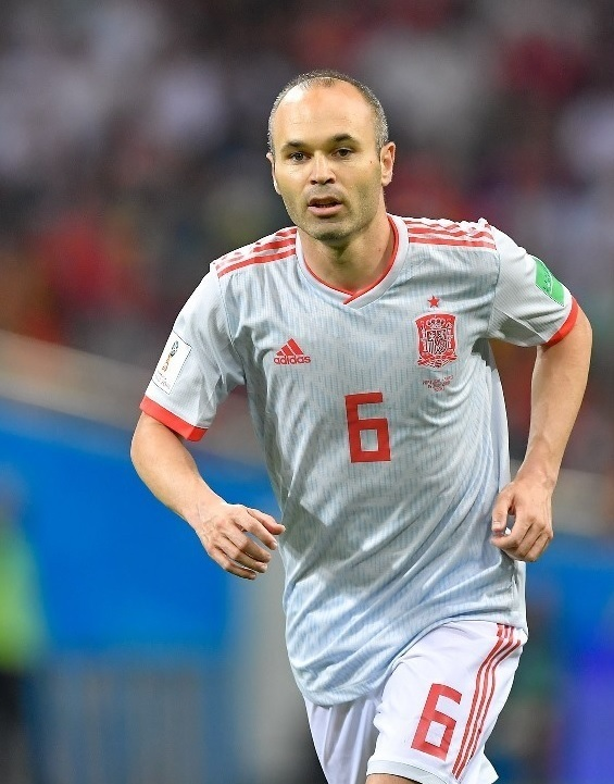 Andres-Iniesta-2018-adidas-world-cup-away-kit.jpg