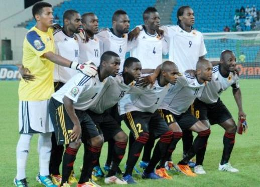 Angola-12-adidas-away-kit-white-black-black-line-up.JPG