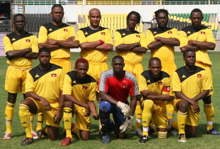 Antigua&Barbuda-08-adidas-2-home-kit-yellow-yellow-yellow-line-up.JPG