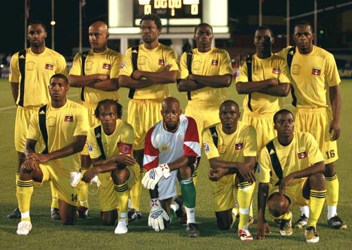 Antigua&Barbuda-08-adidas-home-kit-yellow-yellow-yellow-line-up.JPG