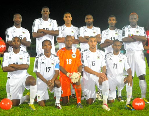 Antigua&Barbuda-10-adidas-away-kit-white-white-white-line-up.JPG