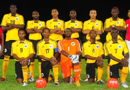 Antigua&Barbuda-10-adidas-home-kit-yellow-black-yellow-line-up.JPG