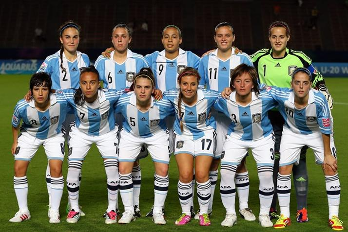 Argentina-12-adidas-U20-wome-home-kit-stripe-white-white-line-up.JPG
