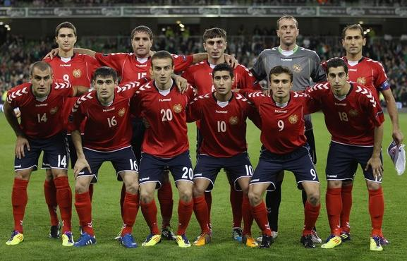 Armenia-11-12-hummel-home-kit-red-navy-red-line-up.JPG
