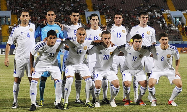 Armenia-12-13-adidas-away-kit-white-white-white-line-up.jpg