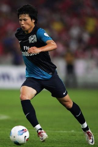 Arsenal-11-12-NIKE-second-kit-navy-navy-navy-宮市亮.jpg