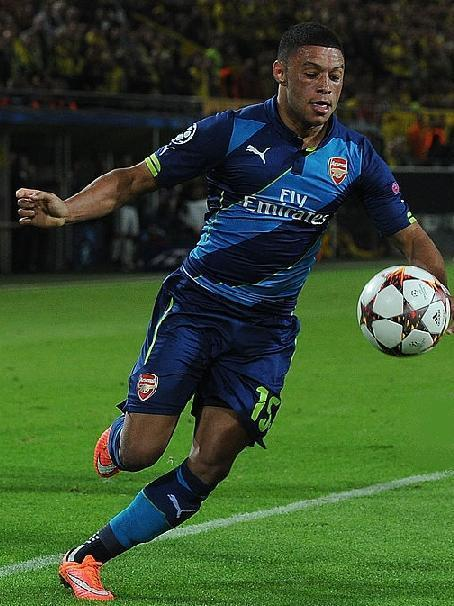 Arsenal-14-15-PUMA-third-kit-light-blue-navy-navy-Alex-Oxlade.jpg