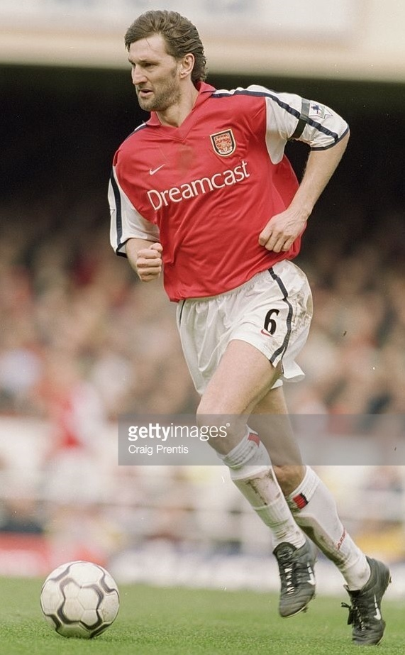 Arsenal-2000-01-NIKE-home-kit.jpg