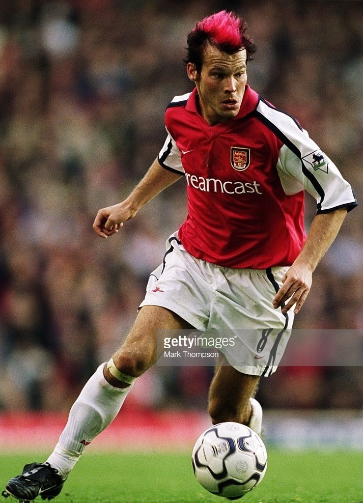 Arsenal-2001-02-NIKE-home-kit.jpg