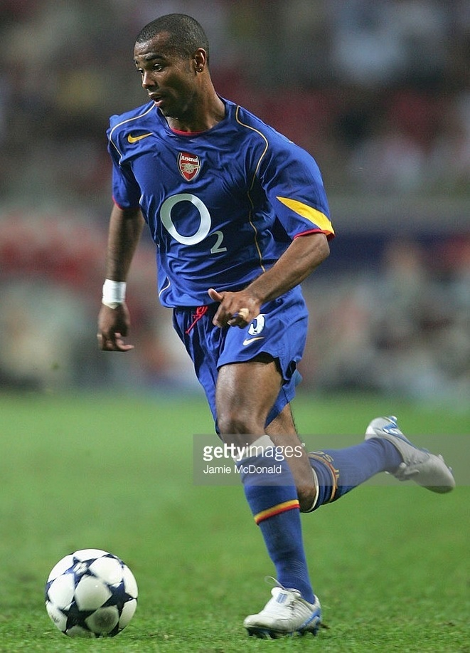 Arsenal-2004-05-NIKE-away-kit.jpg