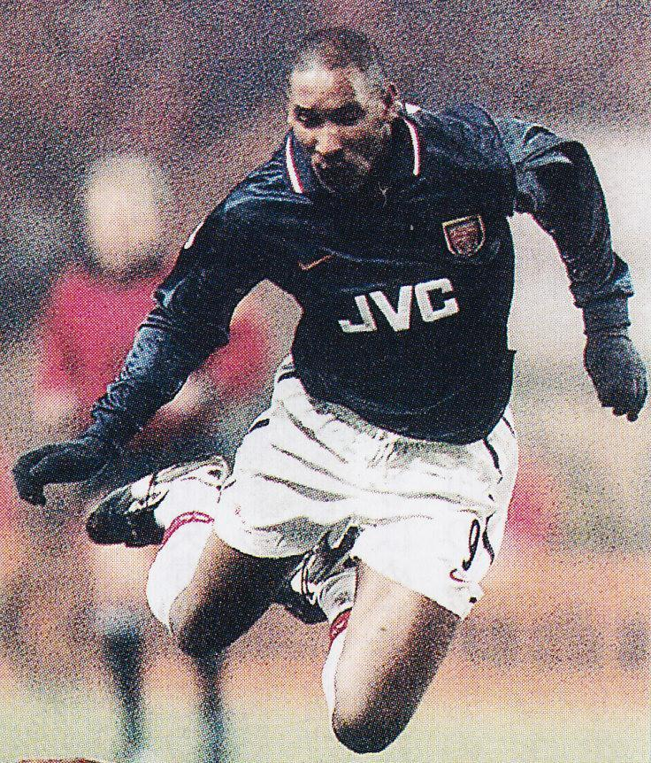 Arsenal-98-99-NIKE-third-kit-Nicolas-Anelka.jpg