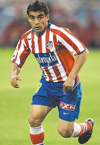 Atletico-Madrid-04-05-NIKE-home-kit-stripe-blue-red-Embrujada.jpg